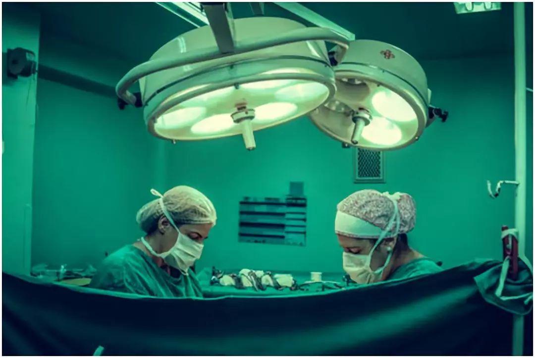 为什么说腰椎间盘突出不建议做手术治疗呢